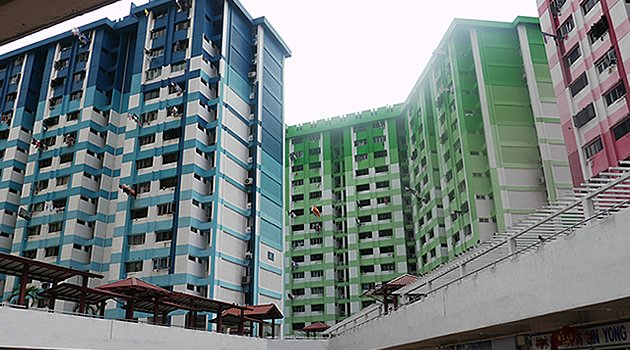 Fair or not? HDB flat owners are allowed to keep their flats when they buy private property but not vice versa. (Yahoo! file photo)