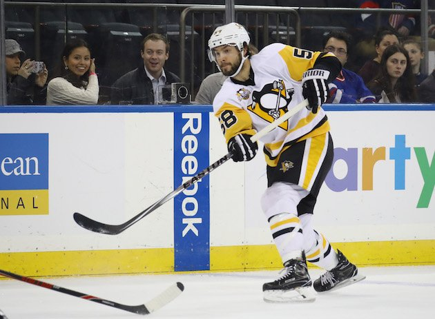 NEW YORK, NY - NOVEMBER 23: Kris Letang #58 of the Pittsburgh Penguins skates against the New York Rangers at Madison Square Garden on November 23, 2016 in New York City. (Photo by Bruce Bennett/Getty Images)