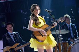 Kacey Musgraves Delivers 'Encouraging' Message at CMA Awards