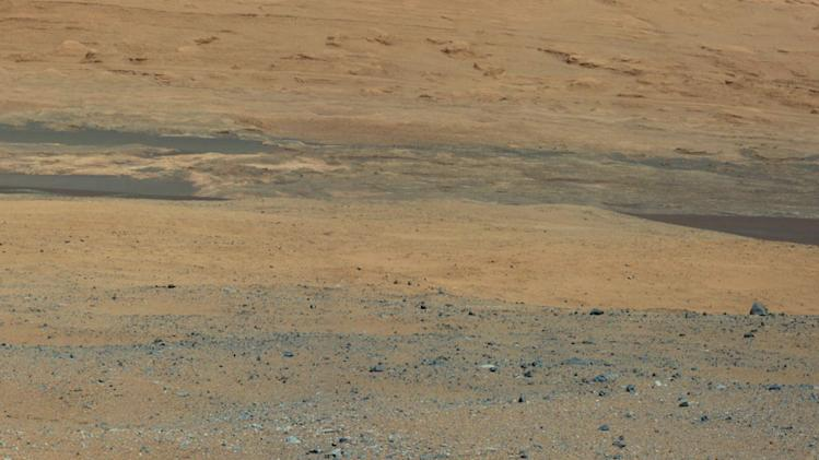 Mars rover sends incredible photos