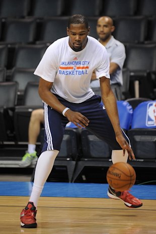 Mar 11, 2015; Oklahoma City, OK, USA; Oklahoma City Thunder forward Kevin Durant (35) warms up prior to the game against the Los Angeles Clippers at Chesapeake Energy Arena. (Mark D. Smith-USA TODAY Sports)
