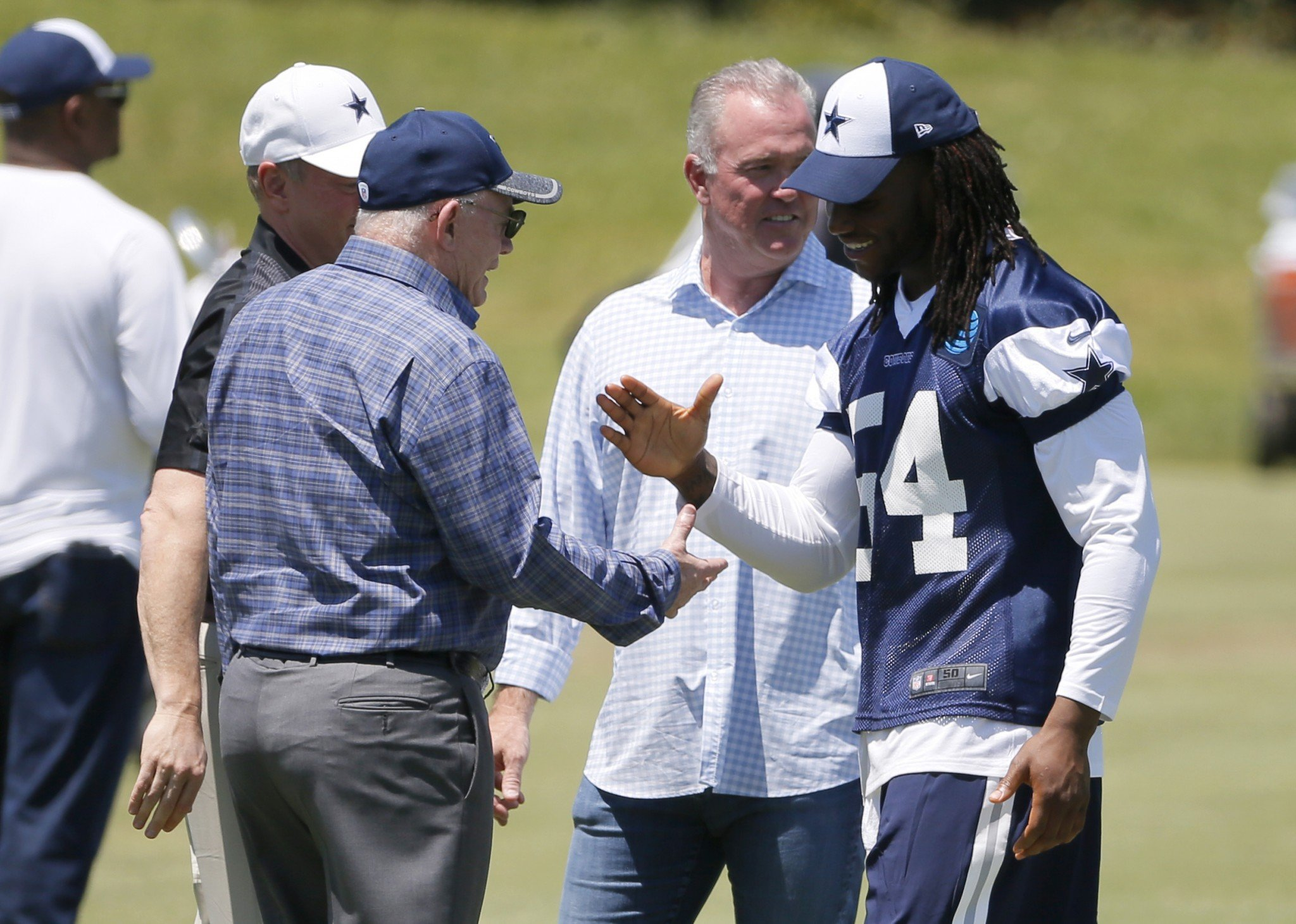 Dallas Cowboys linebacker Jaylon Smith is making encouraging progress from a devastating knee injury but still might not be ready. (AP)