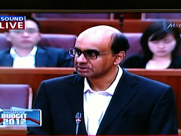 Finance Minister Tharman Shanmugaratnam delivers a Budget 2012 which will reduce dependance on foreign workers. (TV screengrab)