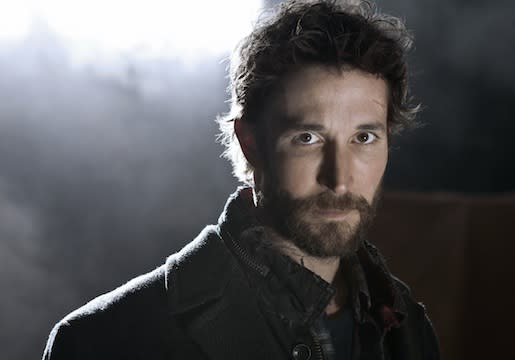 Falling Skies Season 2 Preview: Expository ETs! Tom's Chilly Welcome Home! And a Ray of Hope?