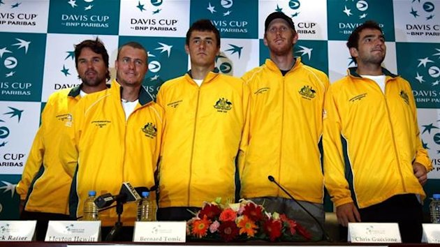 2011 TENNIS Davis Cup Pat Rafter (L) stands with team players (2nd L-R) Lleyton Hewitt, Bernard Tomic, Chris Guccione and Marinko Matosevic