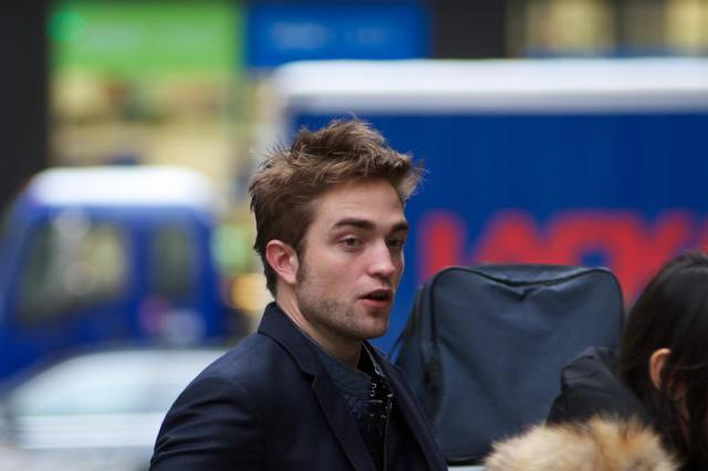 ***存档***纽约,美国,08.10.2012:演员罗伯特·帕丁森(Robert Pattinson)早晨到达今天在纽约(美国)的今日秀。 (照片:FramePhoto / Folhapress)
