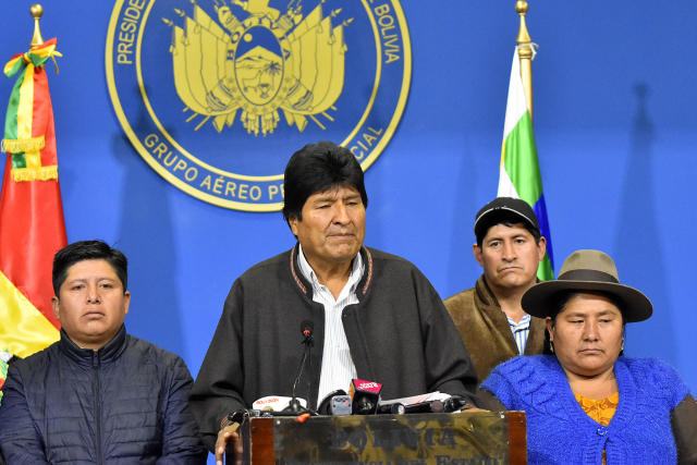 埃沃·莫拉莱斯(Evo Morales)要求在周日举行新选举,并在武装部队的压力下于同日辞职(照片:Alexis Demarco / APG / Getty Images)