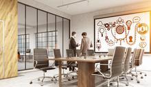 在許多「新創公司」進駐的大樓,撐得最久的兩家公司通常是:門口警衛和清潔公司