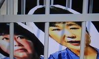 朴槿惠拒出席庭審 閨蜜崔順實獄中苦