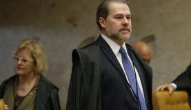 Brasília - Ministro do STF Dias Toffoli durante sessão para julgar o habeas corpus no qual a defesa do ex-presidente Lula tenta impedir eventual prisão após o fim dos recursos na segunda instância da Justiça Feder