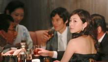 上酒店遇到「淪落風塵的美女」,一個生意人:台灣人就像她,被環境逼到賤價出售