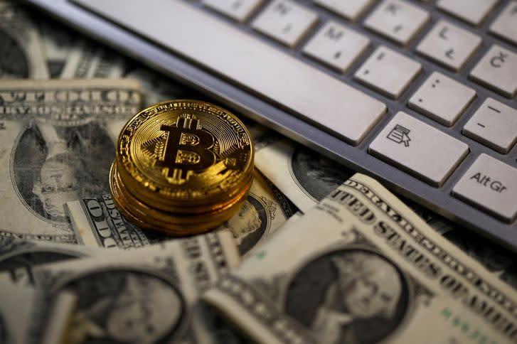 股神對決老鼠藥 誰才是金融市場的未來?