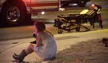 賭城大屠殺》拉斯維加斯槍擊案生還者:「我以為全部的人都會死掉」