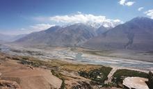 大山的另一邊 塔吉克邊境之村蘭加爾