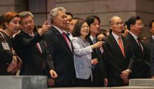 蔡總統與外賓欣賞國慶酒會表演 (圖)
