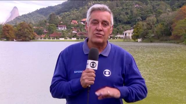 Mauro Naves durante cobertura na Granja Comary. Foto: Reprodução/TV Globo