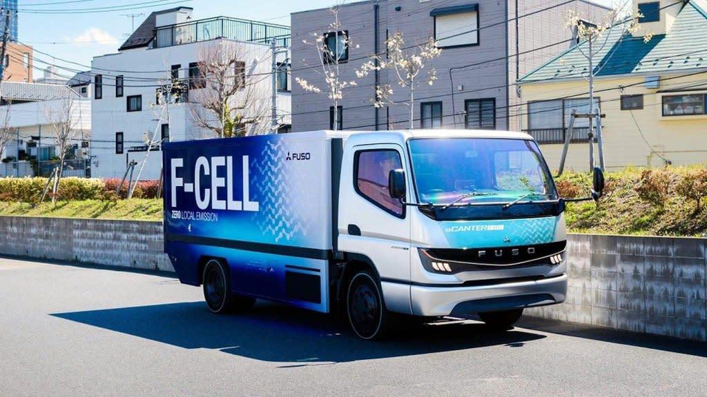 續航300km只排水蒸氣?FUSO eCanter F-Cell燃料電池貨車年底確定量產!