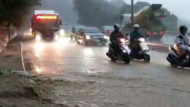 雨擊坍「這條路」掀戰 王浩宇槓陳學聖