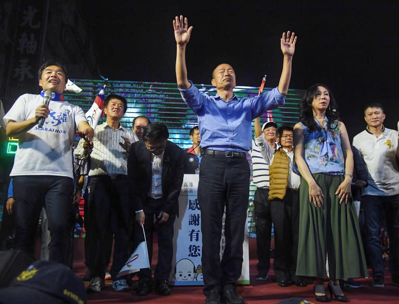 【Yahoo論壇/吳斯懷】人民勝利教訓傲慢 藍綠政黨謹記在心