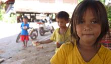 柬埔寨孤兒院當志工 15歲台灣女孩找到最單純的快樂