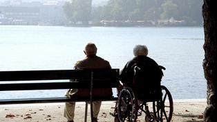 65歲以上每5.7人有1人無法自我照顧!長照費你準備好了嗎?