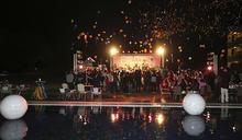 高爾夫》璀璨星空、民雄獻唱,金紅時尚高球跨年派對