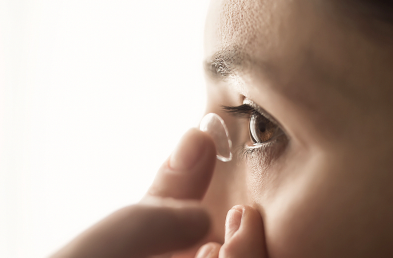 含水量高或低好?只能戴8小時?醫破解隱眼12迷思