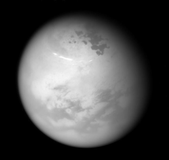 土星的卫星泰坦由与地球相同的力塑造