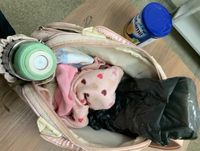 大麻片放在新生儿的袋子里。 照片:民警/信息披露