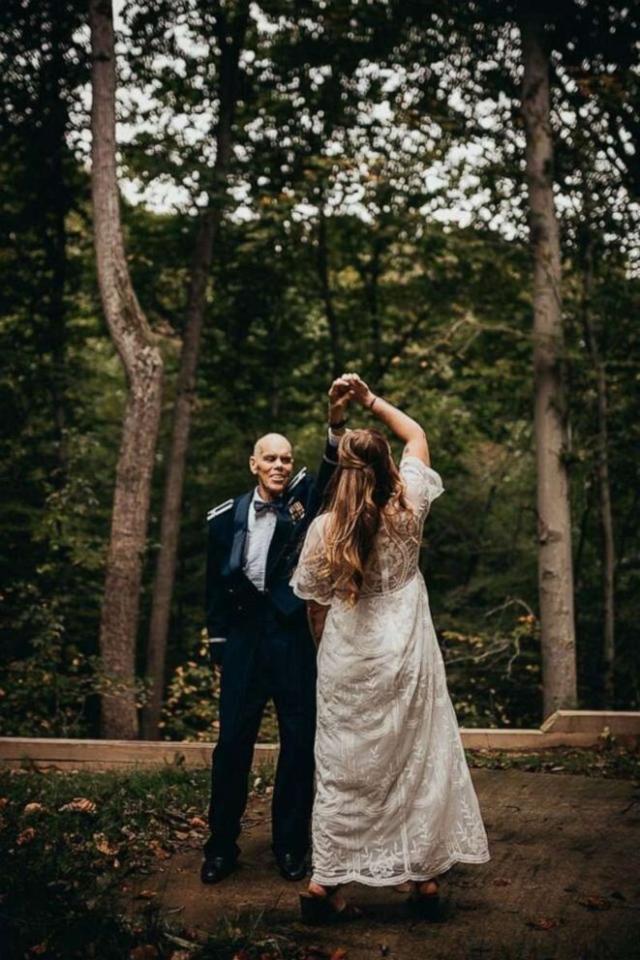 Noiva realiza sonho do pai com dança de casamento especial (Foto: Divulgação/Bonnie Turner)