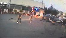 超車不當遇酒駕!3車追撞1歲男童喪命