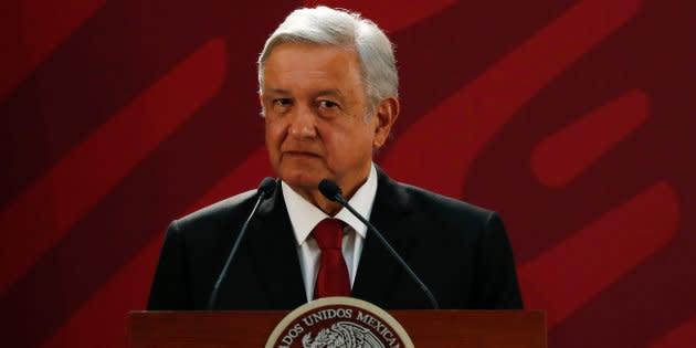La narcomanta que supuestamente dejó el Cártel Santa Rosa de Lima advierte que de continuar con los operativos contra el robo de combustible, la población será la que pague las consecuencias.