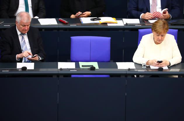 Bundeskanzlerin Angela Merkel (CDU) und Bundesinnenminister Horst Seehofer (CSU) im Deutschen Bundestag.