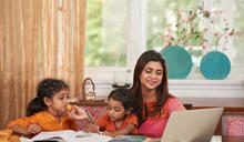 【Yahoo論壇/媽咪拜】「你偷偷吃,不要跟媽媽講」教養不同調 讓孩子陷入大人之間選邊站的困境