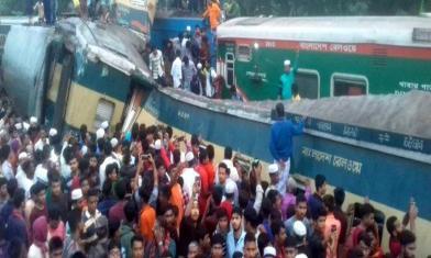 驚悚!兩列火車迎面對撞已15死