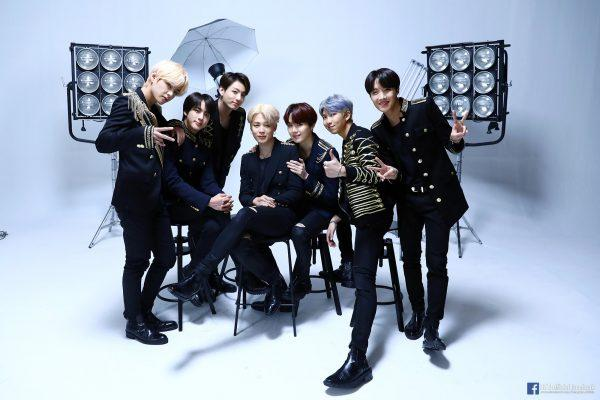 韓國Starbucks聯乘BTS防彈少年團 推出限量食品及精品協助青年自立 發揮Love Yourself精神