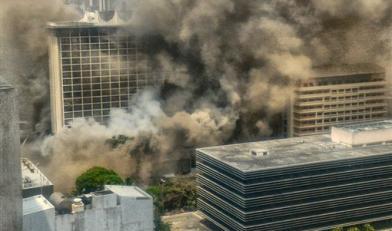 飯店大火驚燒7小時 已3死6傷