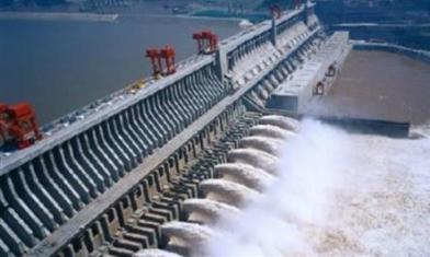 豪雨炸長江 水位恐超過警戒線