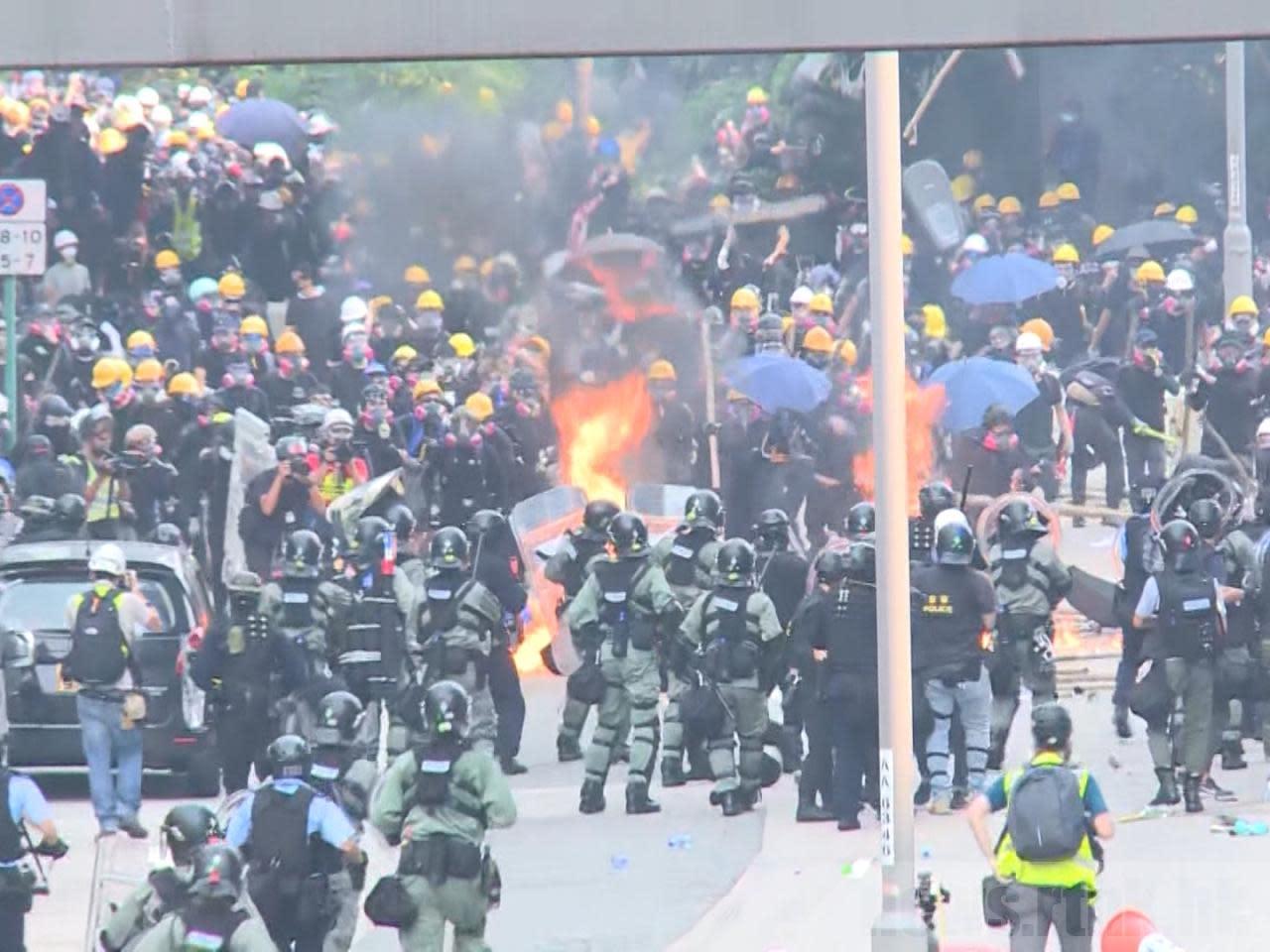 觀塘及黃大仙區示威有10人需送院 其中兩人情況嚴重