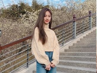 「櫻花配美人」野生周子瑜現身嘉義!
