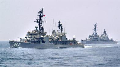 10餘小時 美中台8軍艦穿台海
