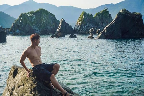 宛如侏儸紀水世界!小島林立原始感神秘沙灘