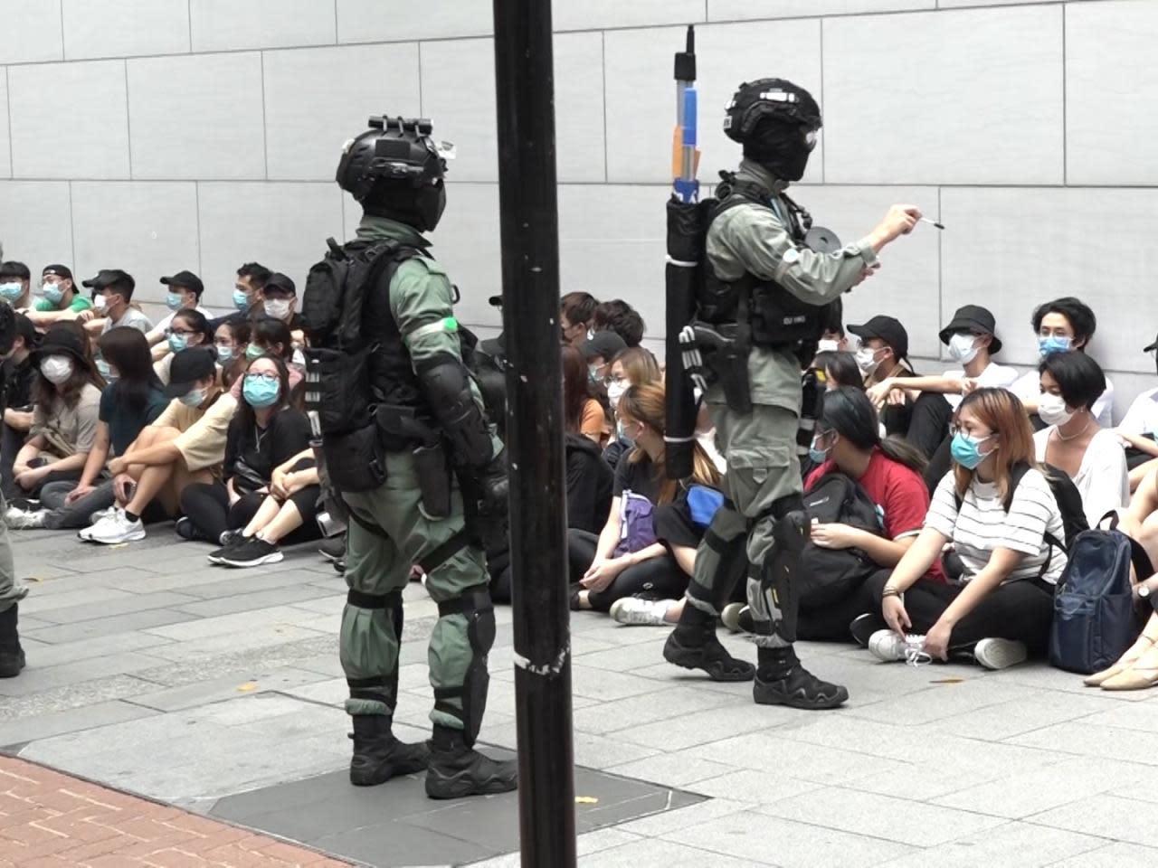 警方指周三全港共拘396人 近180人屬學生